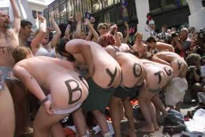 naked asses against GAP