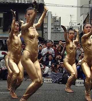 nude girls painted gold