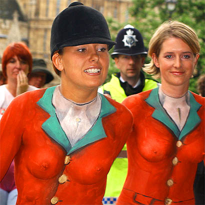 sexy british fox hunters in body paint
